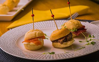https://www.bouledor.ch/wp-content/uploads/2018/08/boule-dor-recettes-mini-sandwiches-pao-queijo.png
